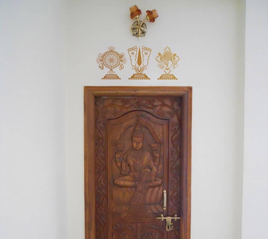 WDC01002 Lord Balaji Symbol Copper L room sticker